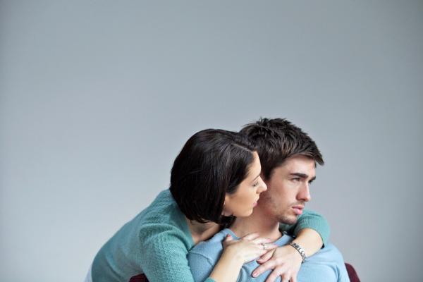 avoidant attachment style traits