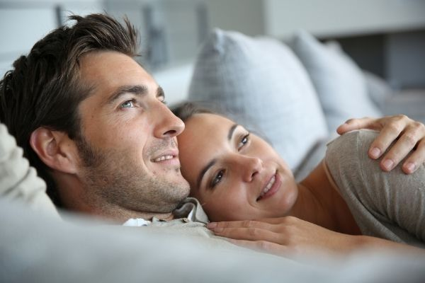 how to make your friend with benefits fall in love with you